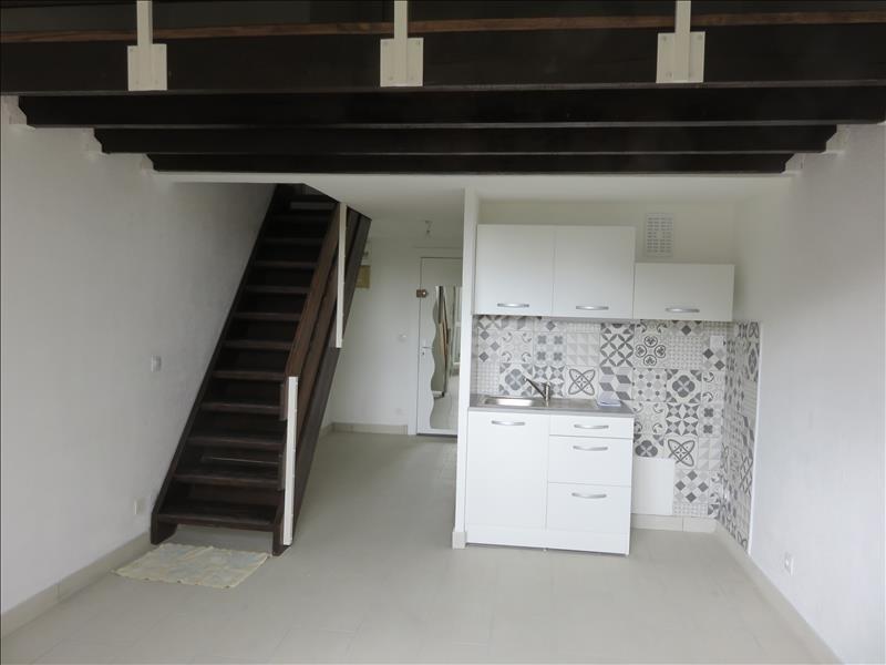 Location appartement St cyr sur mer 840€ CC - Photo 2