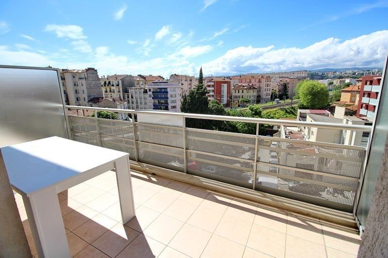 Location appartement - 785€ CC - Photo 1