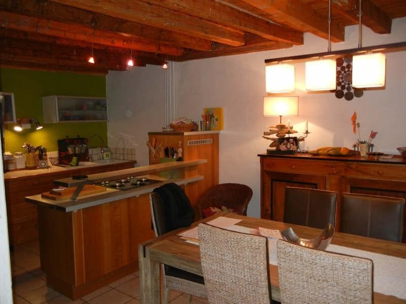 Location maison / villa St geoire en valdaine 813€ CC - Photo 2