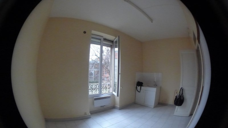 Location appartement Oullins 505€ CC - Photo 3