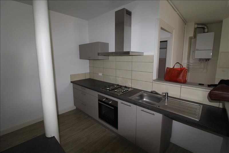 Locação apartamento Voiron 600€ CC - Fotografia 2