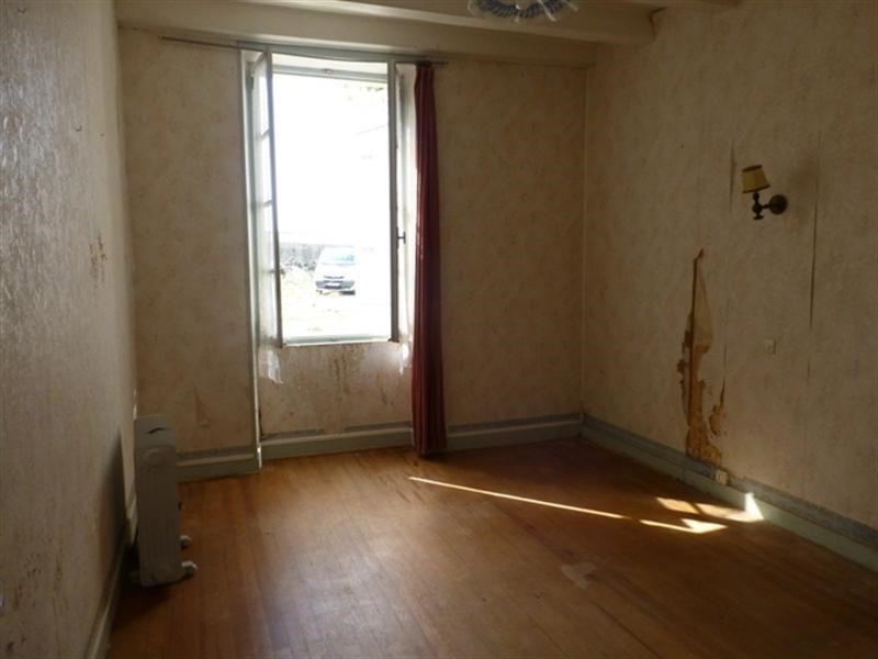 Sale house / villa Saint-jean-d'angély 53 750€ - Picture 4