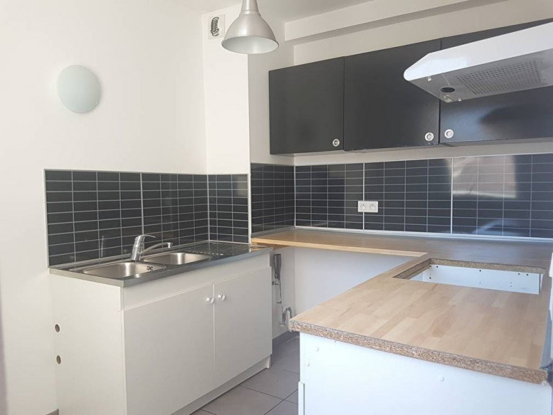 Rental apartment Toulon 760€ CC - Picture 3