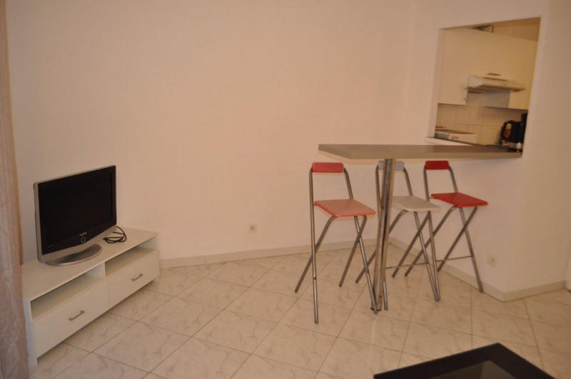 Location appartement Nice 550€ CC - Photo 2
