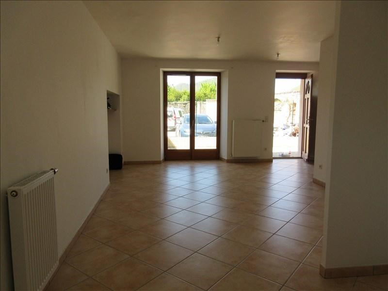 Rental apartment Chirens 645€ CC - Picture 2