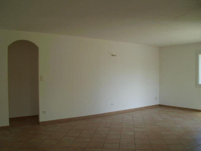 Location maison / villa Althen des paluds 967€ CC - Photo 13