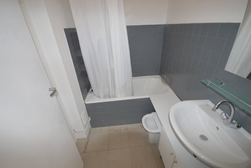 Verhuren  appartement Antibes 878€ CC - Foto 9
