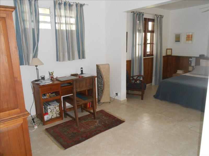 Sale house / villa St claude 365000€ - Picture 10