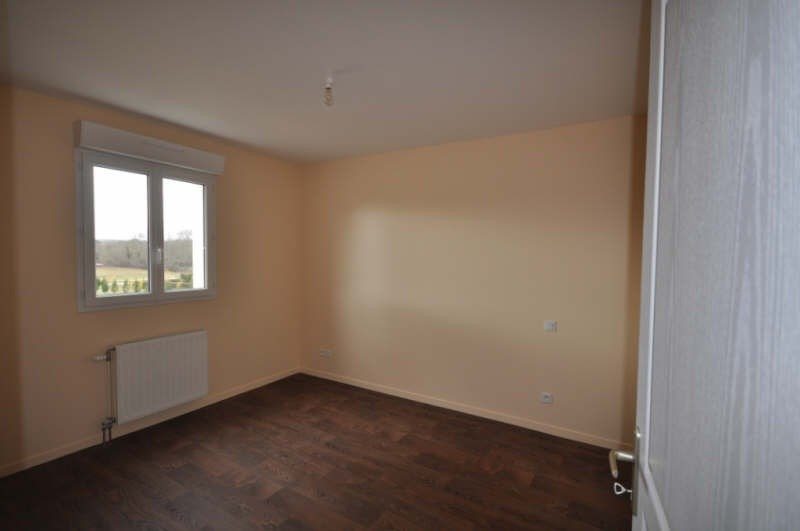 Location maison / villa Villefargeau 723€ CC - Photo 7
