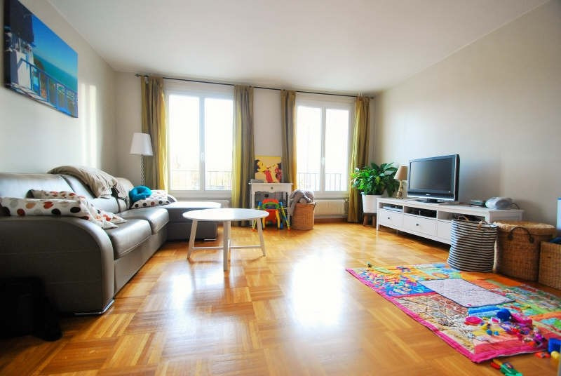 Sale apartment Bezons 220000€ - Picture 1