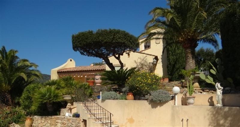 Vacation rental house / villa Cavalaire sur mer 1000€ - Picture 2