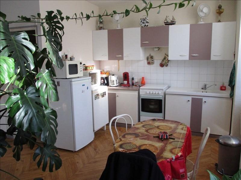 Location appartement Ruelle sur touvre 420€ CC - Photo 2