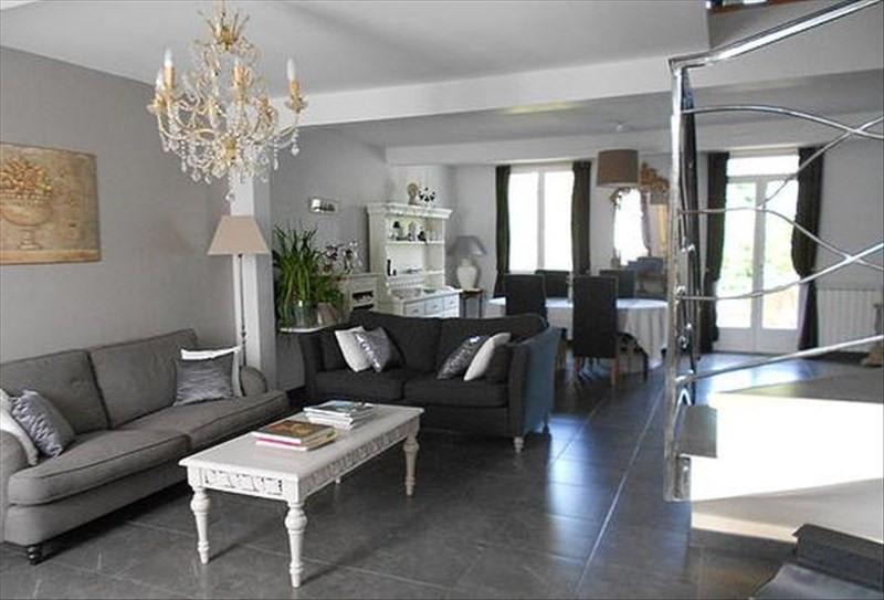 Deluxe sale house / villa L'isle jourdain 628000€ - Picture 2