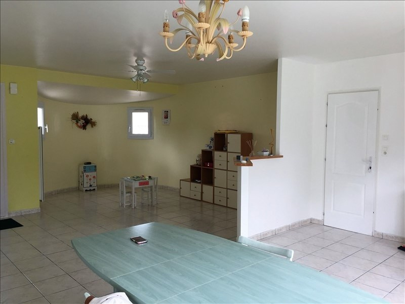 Sale house / villa Avrille 176 800€ - Picture 3
