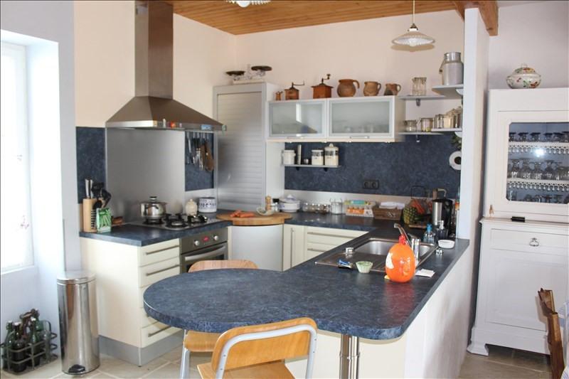 Sale house / villa Thaire 305370€ - Picture 8