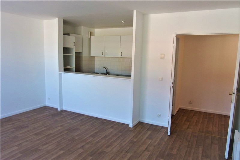 Location appartement La plaine st denis 1 070€ CC - Photo 3