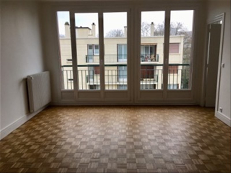 Rental apartment Marly le roi 920€ CC - Picture 1