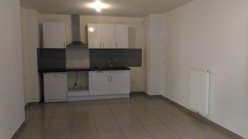 Rental apartment Cagnes sur mer 1000€ CC - Picture 2
