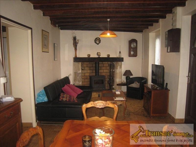 Sale house / villa Puy guillaume 108070€ - Picture 2