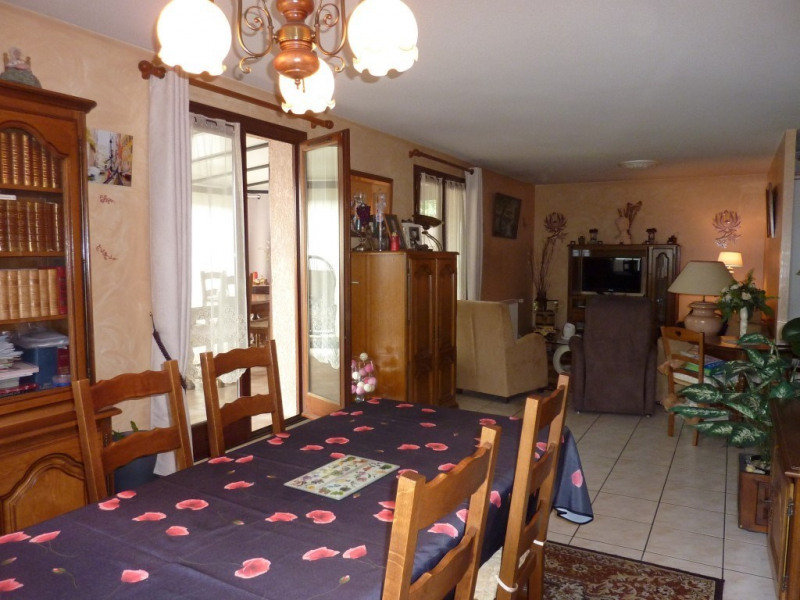 Sale apartment Tramoyes 259 500€ - Picture 2