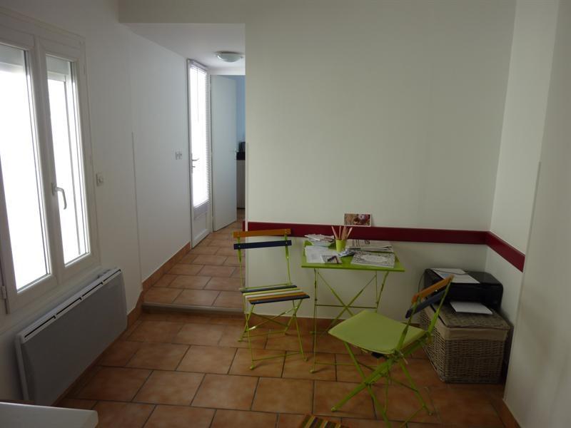 Rental apartment Saintes 372,20€ CC - Picture 3