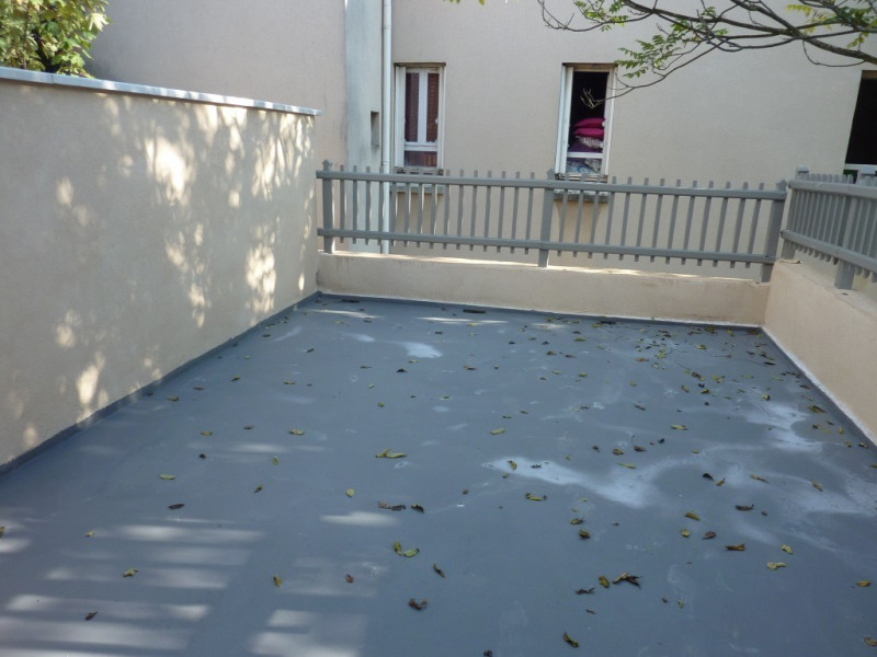 Sale apartment Neuville-sur-saône 219000€ - Picture 4