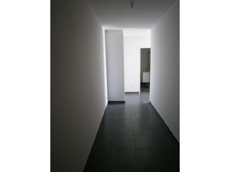 Location appartement St denis 430€ CC - Photo 2