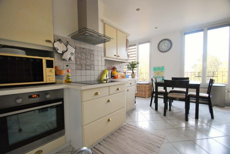 Sale apartment Bezons 220 000€ - Picture 2