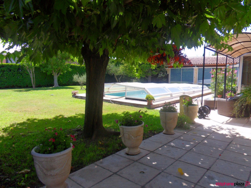 Sale house / villa Morieres les avignon 380000€ - Picture 17