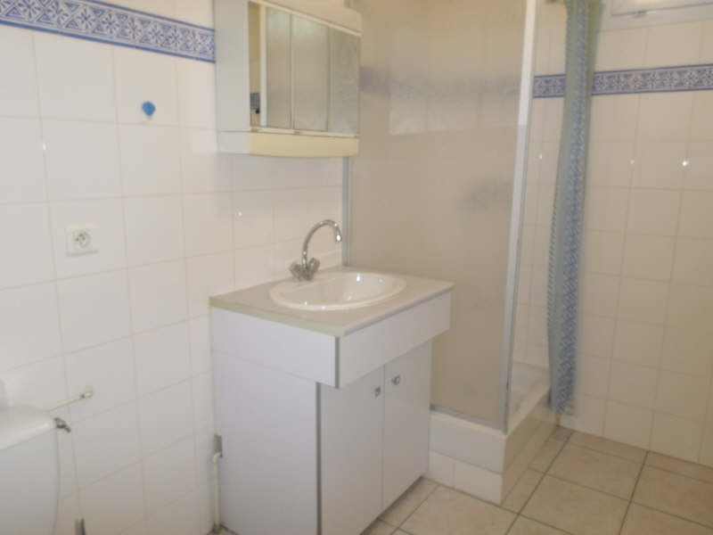 Rental apartment Salon de provence 633€ CC - Picture 6