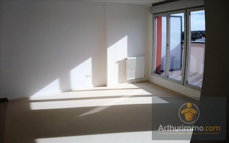 Rental apartment Vert st denis 890€ CC - Picture 3