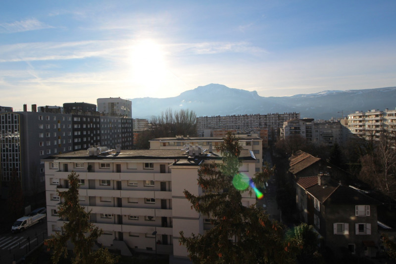 Sale apartment Grenoble 123 000€ - Picture 2