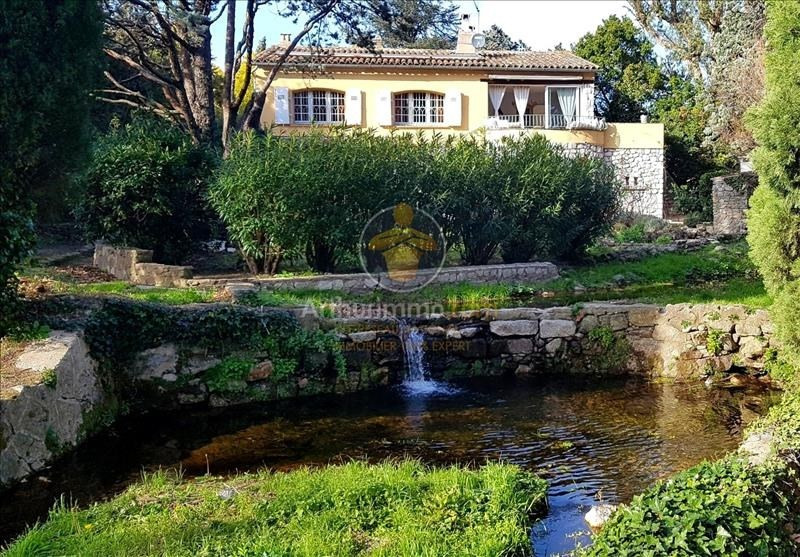 Vente de prestige maison / villa Plan de la tour 949000€ - Photo 1