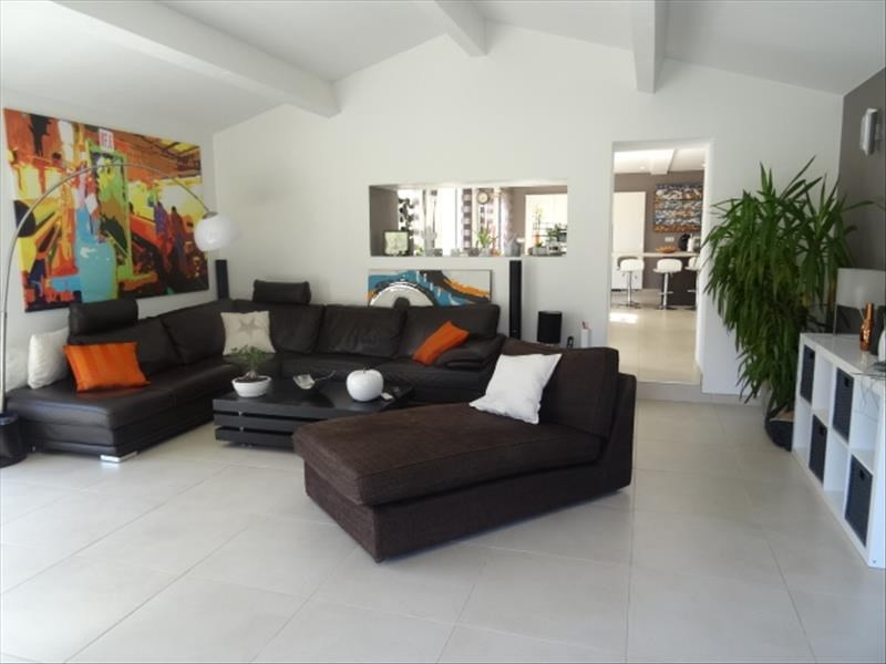Deluxe sale house / villa Peynier 599900€ - Picture 2