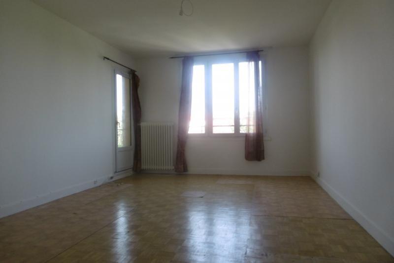 Sale apartment Noisy le grand 244000€ - Picture 2