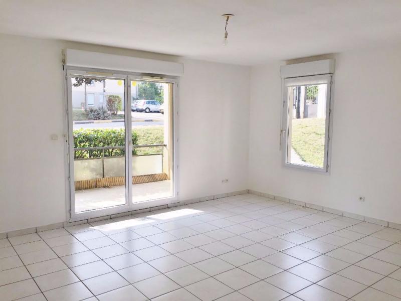 Rental apartment L isle d abeau 720€ CC - Picture 4
