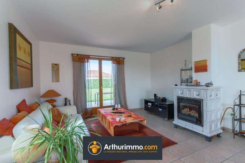 Sale house / villa Morestel 236500€ - Picture 2