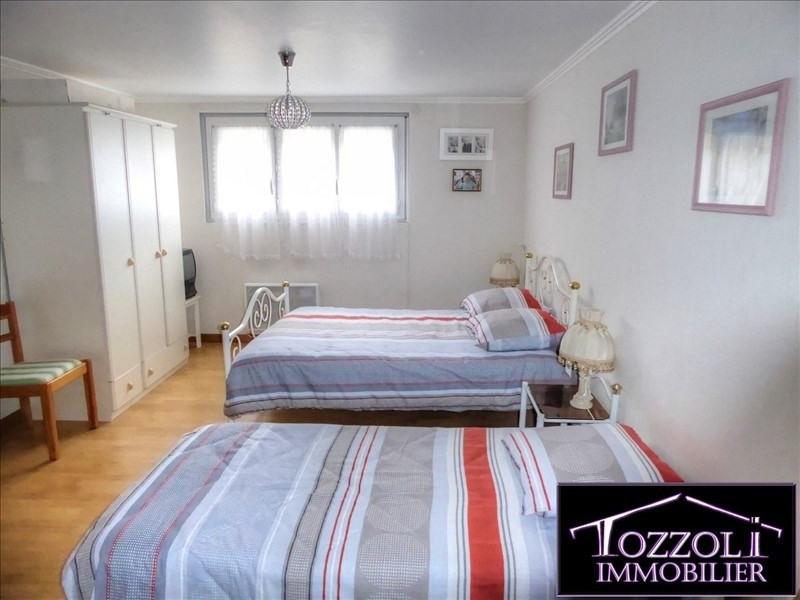 Sale house / villa Bourgoin jallieu 249000€ - Picture 8