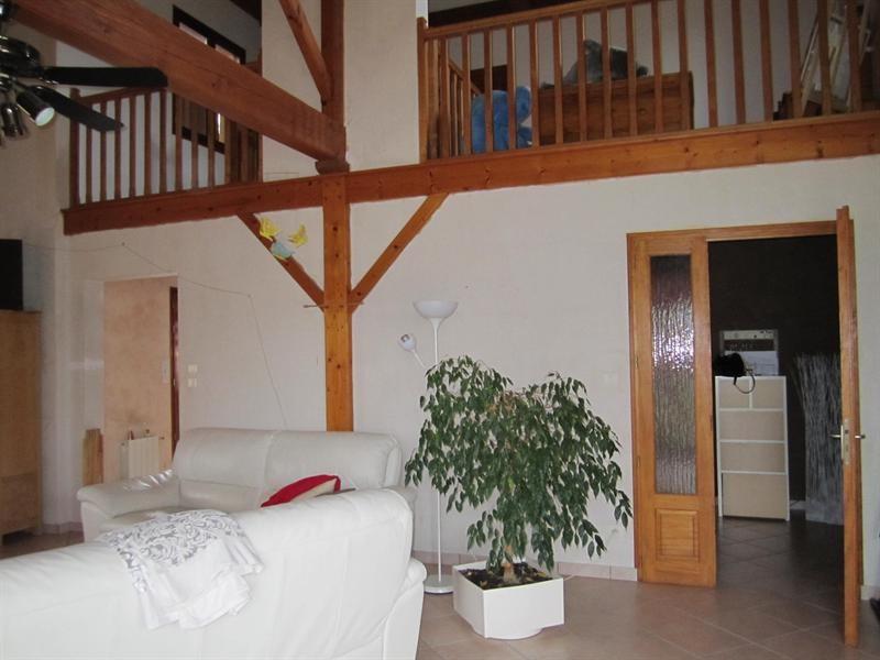 Sale house / villa Barbezieux st hilaire 262000€ - Picture 6