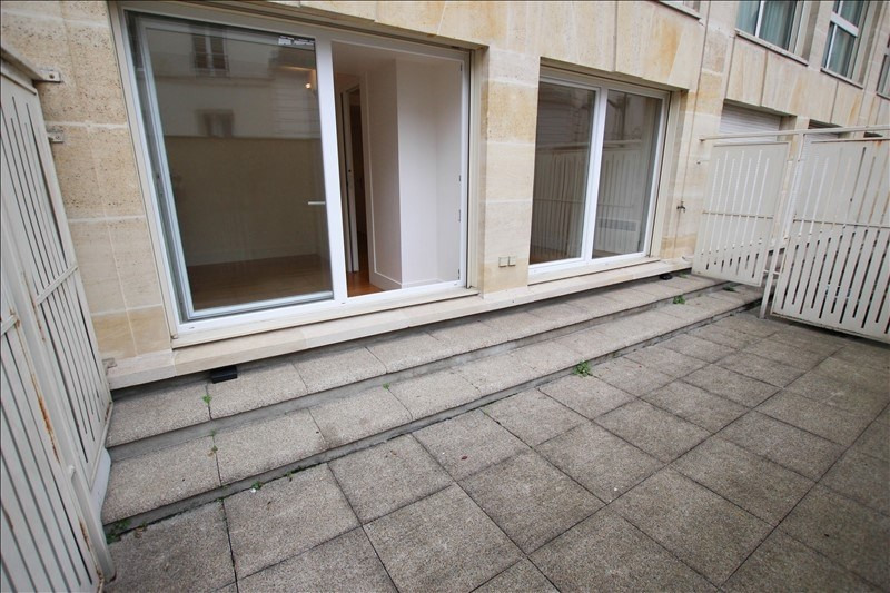 Location appartement Paris 16ème 1 450€ CC - Photo 3