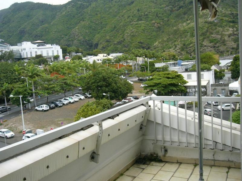 Location appartement St denis 858€ CC - Photo 4