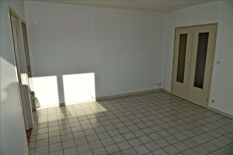 Rental apartment Oyonnax 346€ CC - Picture 3