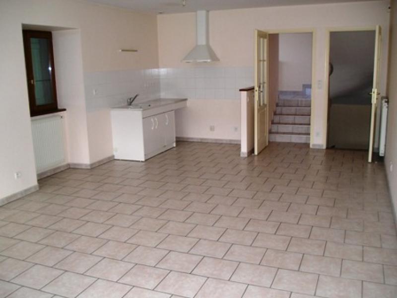 Rental house / villa Lalleyriat 618€ CC - Picture 3
