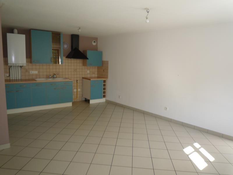 Location appartement Cremieu 750€ CC - Photo 1