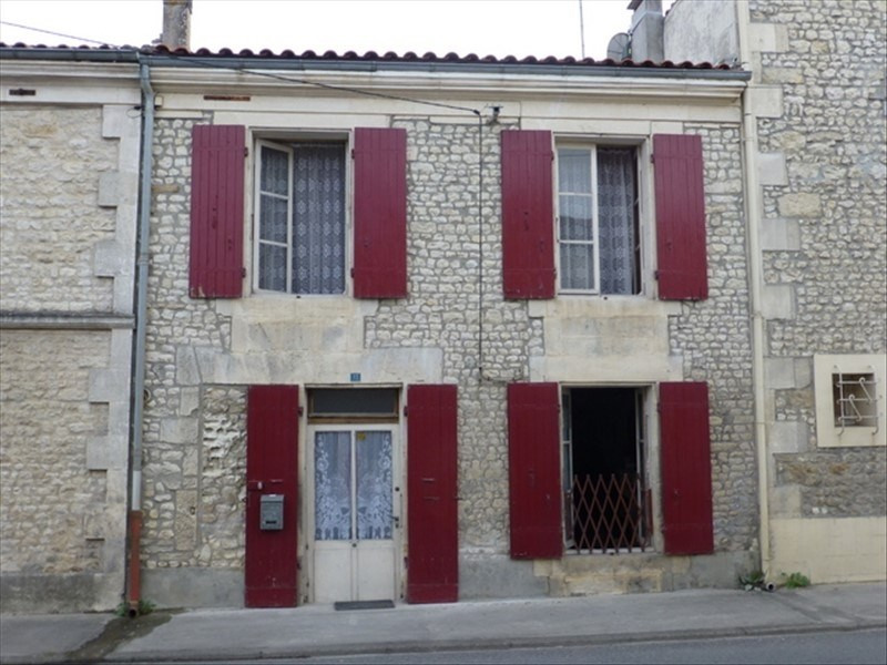 Sale house / villa St jean d angely 32700€ - Picture 1