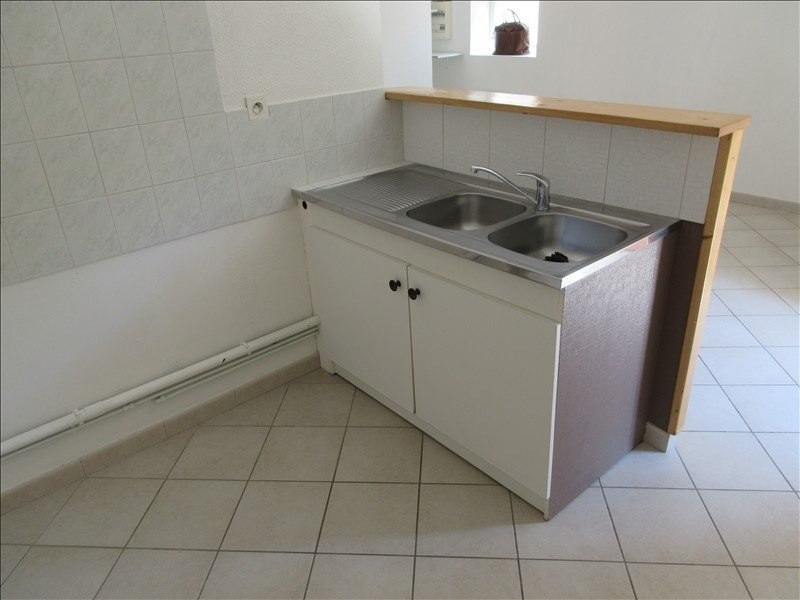 Locação apartamento Voiron 417€ CC - Fotografia 3