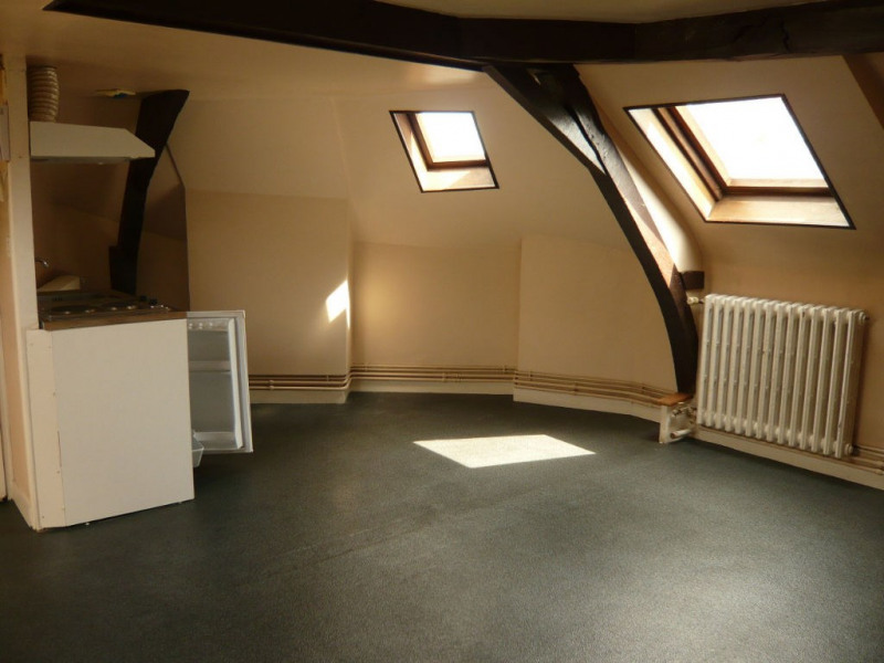Rental apartment Laval 228€ CC - Picture 1