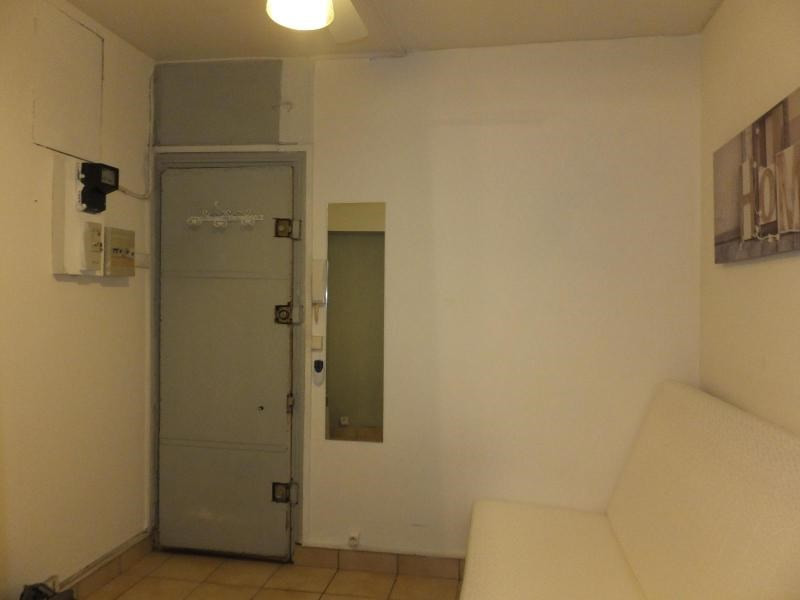Location appartement Paris 3ème 698€ CC - Photo 2