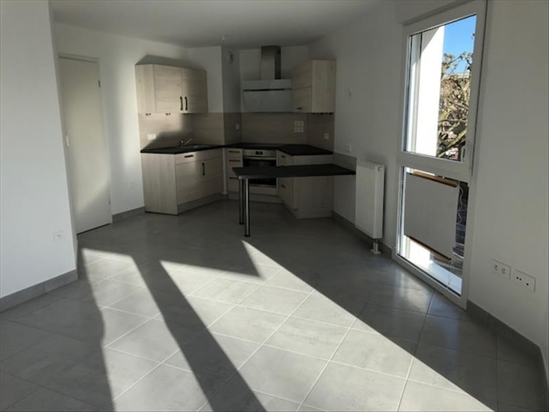 Location appartement Strasbourg 763€ CC - Photo 2