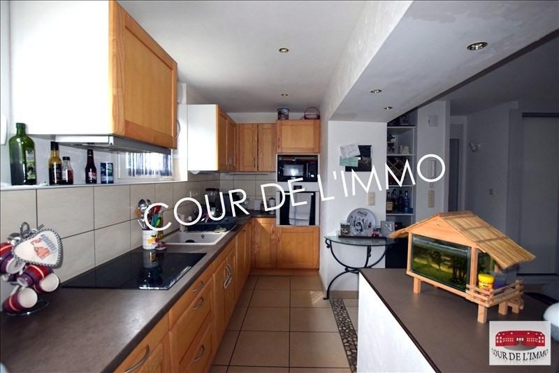 Sale apartment Lucinges 245000€ - Picture 3